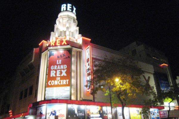 Le Grand Rex est une salle de cinéma parisienne située au n°1 boulevard Poissonnière dans le 2 arrondissement, sur les grands boulevards.